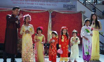 Cộng đồng người Việt tại Mỹ thi áo dài đón tết