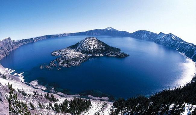 Hồ Crater, một trong 5 hồ lớn nhất nước Mỹ
