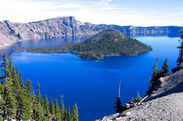 Hồ Crater, hồ sâu nhất nước Mỹ
